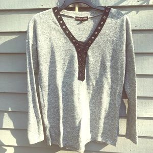 Almost Famous Cozy Long-Sleeve w Sexy tie-up Bust